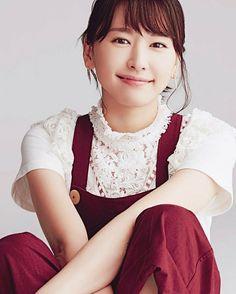 Korean Fashion – How to Dress up Korean Style – Designer Fashion Tips Japanese Beauty, Asian Beauty, Cute Girls, Cool Girl, Girl Artist, Cute Japanese Girl, Overalls Women, Korea Fashion, Fashion 101