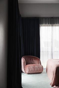 Redondo Large Armchair by Patricia Urquiola for Moroso - Residential - Mobilia Decor, Modern Victorian Homes, Pink Armchair, Interior, Home Decor Bedroom, Home Decor, Traditional Interior Design, Interior Design, Furniture Design