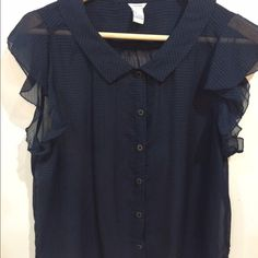 Forever 21 Sleeveless Blouse Sleeveless Georgette shirt. Semi-sheer. Size L. Excellent condition. Forever 21 Tops