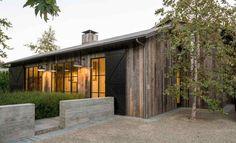 – Yolanda's Little Black Book Modern Farmhouse Design, Modern Barn, Home Basketball Court, Barn Renovation, Flower Landscape, Wood Detail, Rustic Elegance, Minimalism, Shed