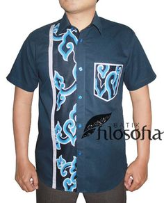 - Kode BP040 - Batik Printing - Bahan polos katun combed - Tanpa puring - Tersedia berbagai ukuran - Pemesanan Pin BB : 741A938B - SMS, Whatsapp atau Line : 085721666236 African Shirts For Men, African Tops, African Clothing For Men, Nigerian Men Fashion, African Men Fashion, African Attire, African Wear, Costume Africain, African Print Shirt