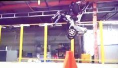 تسريب فيديو عن روبوت جديد متطور جدا يقوم بالقفز والمشي بدقة عالية  http://ift.tt/2k7Dpmm