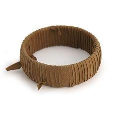 BANGLE LUCIA MARRONE  -  Originale bangle rivestito da un nastro in pelle marrone.