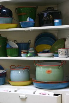 I love enamel ware for the kitchen...and cast iron too!  :-)