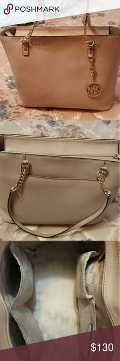 0ee08704d761 MK Purse Cream and gold chain MK Purse hardly used no rips or stains.  Michael