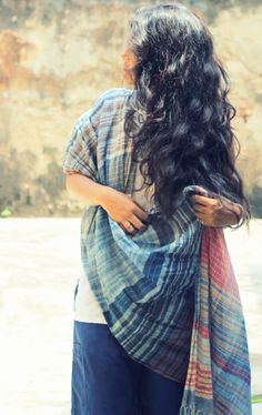 Stole in cotton Khadi with stripes set in a non repeat pattern