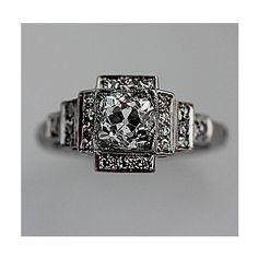 Stephanie Meyer, this is what Bella's ring should have looked like ya nimrod!