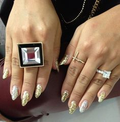 Nails of the Day | Photo Gallery - Yahoo! Shine#crsl=%252Fphotos%252Fnails-of-the-day-slideshow%252F-photo-2554203-004900677.html    Snooki nails luv it....