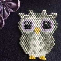 Ma dernière création #brickstitch #perles #beads #jenfiledesperlesetjassume #homemadepattern #chouette #hibou #owl #miyuki #oanezdesign…