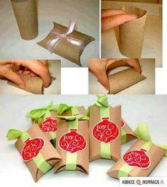 Envoltura para regalo con rollo del papel  higiénico