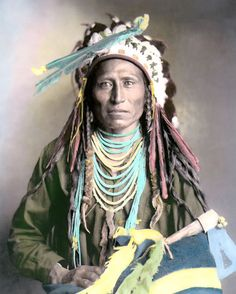 This picture was taken in and shows a Shoshone Indian named Heebe-tee-tse. I do not know much about the Shoshone Indians. Native American Images, Native American Beauty, Native American Tribes, Native American History, American Indians, American Art, American Women, American Quotes, American Symbols