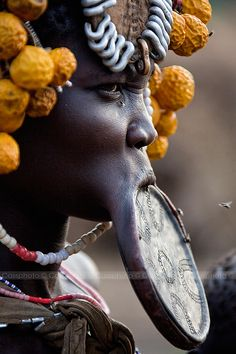 Ethiopia by Carlos Cass on Mursi tribe. African Tribes, African Women, African Beauty, We Are The World, People Around The World, Afro, Mursi Tribe, Art Tribal, Tribal People