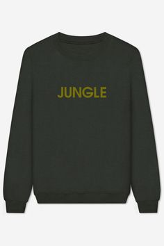 Sweatshirt hand-embroidered with care. American cut, crew neck, fitted shoulders and sleeves, ribbed trim and tightening at wrists.Ultra soft and comfortable inside. Winter Wardrobe, Tacos, Cool Outfits, T Shirt, Dressing, Swimsuits, Sweatshirts, My Style, Sleeves