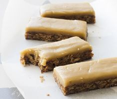 Delicious oaty ginger slice with rich caramel and ginger flavours. Super quick and easy to make - one of the favourites from Chelsea Winter& cookbook! Gf Recipes, Dairy Free Recipes, Sweet Recipes, Real Food Recipes, Baking Recipes, Yummy Food, Cake Recipes, Dessert Recipes, Recipes Dinner
