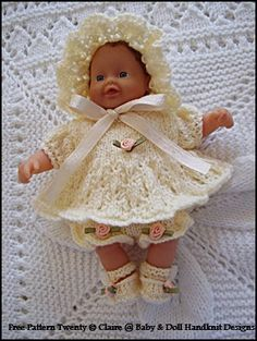 FREE Angel Set inch doll-angel top, pants, shoes, bonnet, free knitting pattern up to doll Knitted Doll Patterns, Knitted Dolls, Baby Knitting Patterns, Crochet Dolls, Free Knitting, 12 Inch Doll Clothes, Baby Doll Clothes, Baby Dolls, Knitting Dolls Clothes
