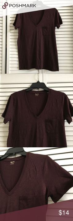 🆕Madewell v-neck t-shirt, NWOT. Madewell v-neck pocket tee in chocolate raisin. A great basic t-shirt. New without tags. Size small. 100% cotton. Smoke free home. Madewell Tops Tees - Short Sleeve