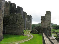 Castle Caerphilly Glamorgan IMG_1046 by aberystwyth-online, via Flickr