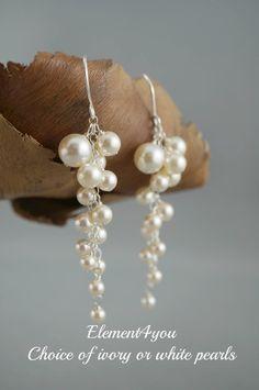 Pearl Wedding Earrings. Bridal Earrings. Statement Earrings.