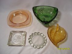Nice Lot of 5 Vintage Glass Ashtrays Poinsettia Leaf Triangle Carnival Glass