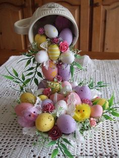 How to make unique Easter gifts: Bowl of plenty – Back to School Crafts – Grandcrafter – DIY Christmas Ideas ♥ Homes Decoration Ideas Easy Easter Crafts, Easter Projects, Easter Gift, Easter Party, Easter Ideas, Easter Flower Arrangements, Easter Flowers, Spring Crafts, Holiday Crafts