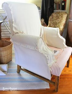 Betsy Speert's Blog: How To Sew a Chair Slipcover...sort of.... Furniture Fix, Reupholster Furniture, Furniture Slipcovers, Slipcovers For Chairs, Furniture Covers, Upholstered Furniture, Chair Covers, Furniture Makeover, Dining Chairs