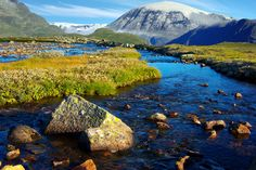 National parks in Scandinavia offers scenery you can't find anywhere else World Most Beautiful Place, Beautiful Places To Visit, Jotunheimen National Park, Places To Travel, Places To See, Land Of Midnight Sun, Norway Nature, Paraiso Natural, By Train