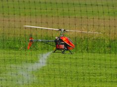 helikopter rc spalinowy na pokazie