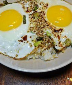 심하게 고소하고 특히 부드러운 밑반찬 ' 진미채볶음 만드는 법' Korean Food, Food Design, No Cook Meals, Eggs, Cooking, Breakfast, Recipes, Kitchen, Morning Coffee