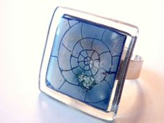 """Anillo vidrio """"caracola"""". Talla ajustable. Azul de BGLASSbcn por DaWanda.com"""