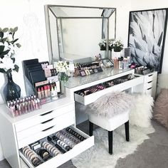 15 Impressive DIY Makeup Vanity Decoration Ideas T. - 15 Impressive DIY Makeup Vanity Decoration Ideas That You Will Love It - Makeup Vanity Case, Makeup Vanity Decor, Makeup Room Decor, Makeup Desk, Makeup Tables, Makeup Furniture, Bedroom Makeup Vanity, Diy Beauty Room Decor, Makeup Studio Decor