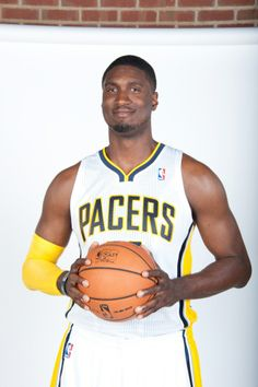 Roy Hibbert - Indiana Pacers My favortie Indiana Basketball, College Basketball, The Pacer, Up For The Challenge, Indiana Pacers, Nba Playoffs, Sports Teams, Good People, Black History