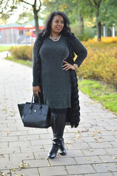 The Bee's Knees - I love the idea of pairing a straight grey dress with a long black best. It adds great definition and stops the dress looking shapeless.