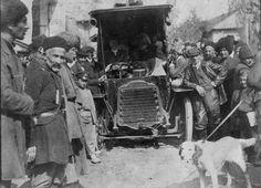 First car in Sheki , Azerbaijan , 1907 .