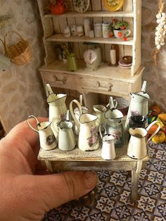 Lovely site with loads of miniature ideas - Home Decoz Miniature Rooms, Miniature Kitchen, Miniature Houses, Miniature Furniture, Dollhouse Furniture, Mini Kitchen, Rustic Kitchen, Dollhouse Accessories, Tiny Treasures