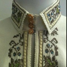 Romanian traditional costume Dress Up Boxes, Fashion History, Traditional Dresses, Romania, Fashion Forward, Special Occasion, Ethnic, Folk, Dressing
