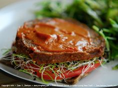 Raw Vegan Replacements: The Burger.