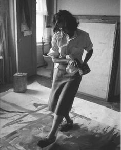 Meet your needs: Helen Frankenthaler creating a painting with slippered feet, NYC 1957