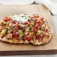 Grilled Chicken Taco Pizzas (via foodily.com)