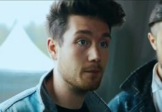 I really need to stop pinning so many pics of him and start with other members. BASTILLE DOESNT JUST CONSIST OF DAN SMITH PEOPLE.