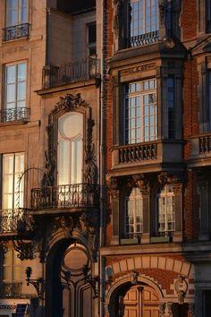 Quai Voltaire, Paris.