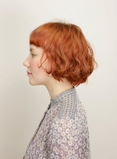 Must See Short Hair Color Ideas for 2018 , For getting a new haircut and hair color. Here are the hair color trends of 2018 that are getting evolved into more natural and stylish looks. Short Choppy Hair, Girl Short Hair, Short Hair Styles, Ombre Hair Color, Cool Hair Color, Hair Colors, Latest Hair Color, Trending Hairstyles, Curled Hairstyles