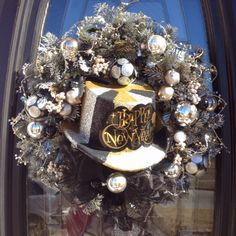 New Year's Wreath! Holiday Tree, Holiday Wreaths, Holiday Crafts, Holiday Fun, Christmas Decorations, Holiday Decor, Winter Wreaths, Winter Holidays, Holidays And Events