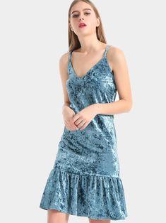 Sexy Women Velvet Pleated Strap Party Dresses