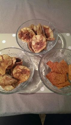 Lyndsey Little Treasures: Syn FREE Microwaved Crisps ready in 5 minutes! - good idea to skewer and hang! Slimming World Treats, Slimming World Free, Slimming World Syns, Slimming World Recipes, Slimming Eats, Syn Free Snacks, Syn Free Food, Savory Snacks, Healthy Snacks