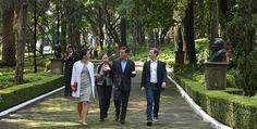 Peña Nieto recibe a #MarkZuckerberg, creador de #Facebook