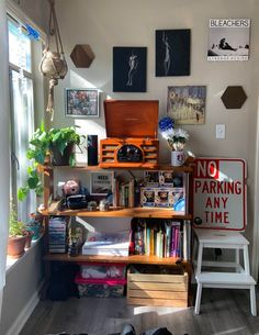 Eclectic College Bedroom Corner, Sacramento, CA : AmateurRoomPorn Bedroom Corner, Room Ideas Bedroom, Zen Bedroom Decor, Music Bedroom, Cosy Bedroom, Bedroom Simple, Bedroom Inspo, Indie Room Decor, Aesthetic Room Decor