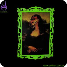 Moldura muito bonita feita em acrílico verde.  Very pretty frame done in green acrylic.