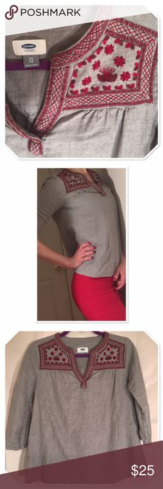 Boho style embroidered gray and red top old navy Like new stylish and comfortable boho style top from old navy. Fits well with pants and skirts. Modern embroidered pho pattern in red. Size XS but fits like S. Relaxed fit. 3/4 sleeve Old Navy Tops Blouses