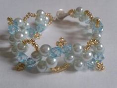 pulsera en perlas y rombo
