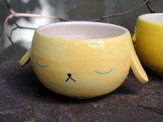 ^Lola Goldstein, bowl sin título, cerámica esmaltada, 2011, U$D70